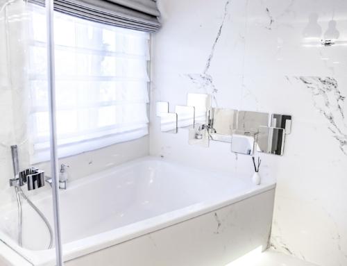 Elegancka łazienka w białym marmurze