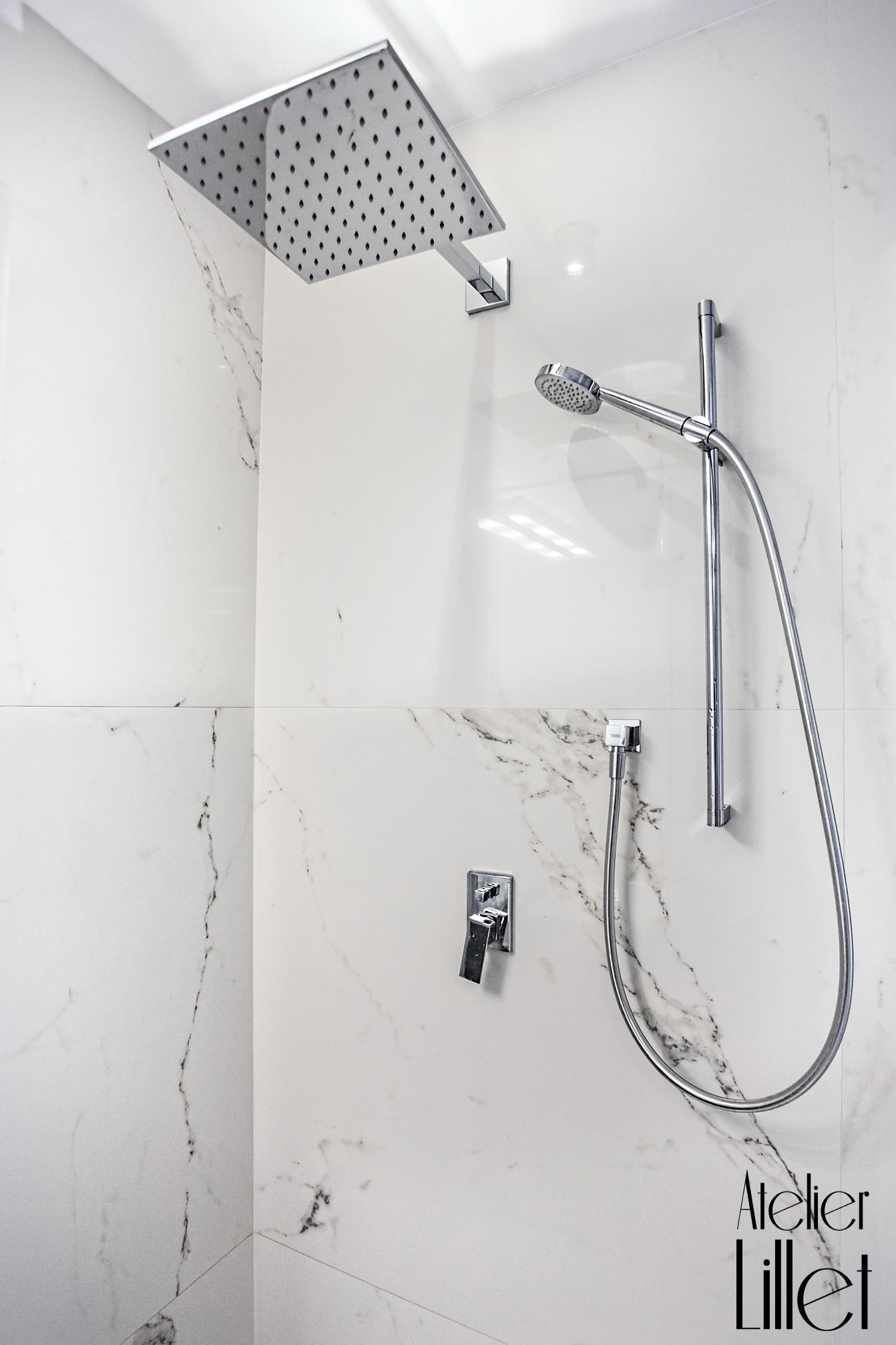 Elegancka łazienka W Białym Marmurze Atelier Lillet